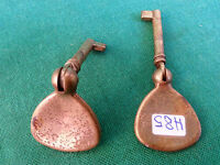 Coppia Di Antiche Chiavi Per Mobili In Ottone, Old Keys Canna Vuota. N° H85. - mobil - ebay.it