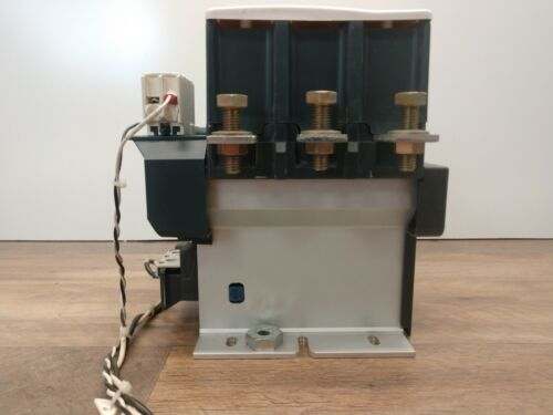 Telemecanique LC1F265 Contactor, 1000V, 350A, 200HP with 24V Coil