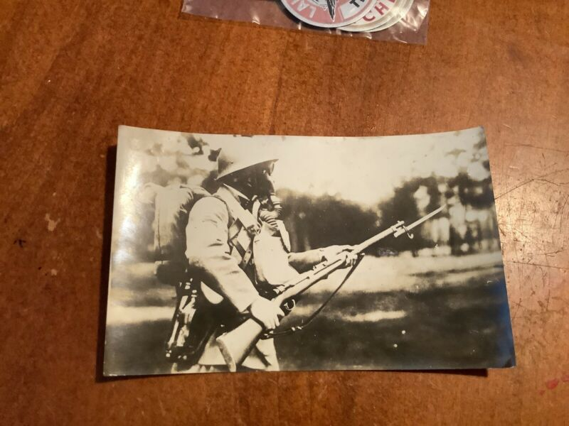 ORIGINAL WWII JAPANESE PHOTO: ARMY SOLDIER With Rifle and Gear