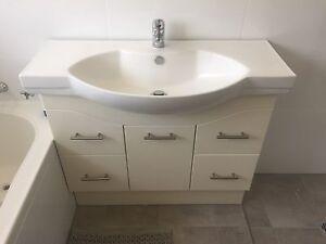 Bathroom Vanity Semi Recessed 940mm 1 metre Salisbury Heights Salisbury Area Preview