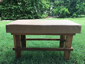 Bench seat (Timber legs) Southside Gympie Area Preview