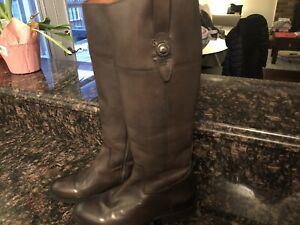 Brand NEW Frye boots. Brown. Size 8