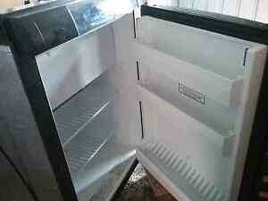 Dometic 3 way caravan fridge 90litre Alton Downs Rockhampton Surrounds Preview