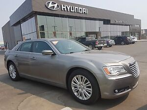 2014 Chrysler 300 AWD - PST PAID - WARRANTY