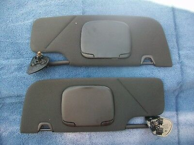 2008 Ford Mustang Coupe sun visors