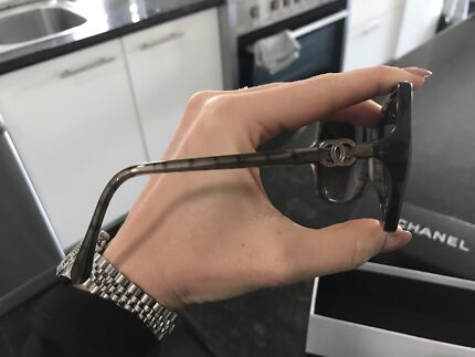 Chanel sunglasses brand new never worn