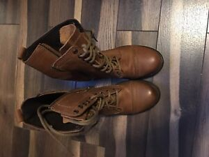 Steve Madden Troopa 2.0 boots size 8.5