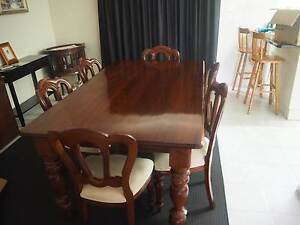 DINNING TABLE + 6 CHAIRS Mill Park Whittlesea Area Preview
