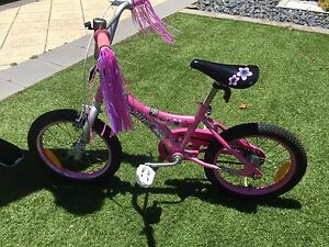 Girls pink Vogue Bike Iluka Joondalup Area Preview