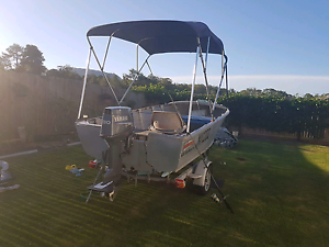 4.2m stacer seahorne/ boat/ tinny Beerwah Caloundra Area Preview