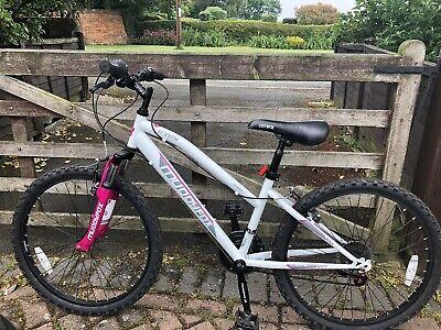 Muddyfox girls bike 20inch White & Pink Execellent Condition (Age7-10Yrs)