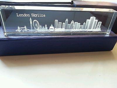 LONDON 3D SKYLINE CRYSTAL GLASS ENGLAND BRITISH UK SOUVENIR GIFT PACK