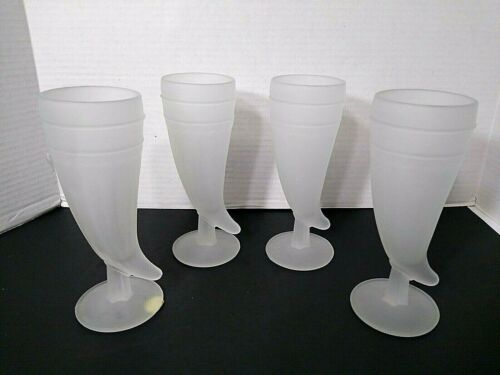 Tiara Indiana Frosted Glass Drinking Horns Set of 4 Vintage