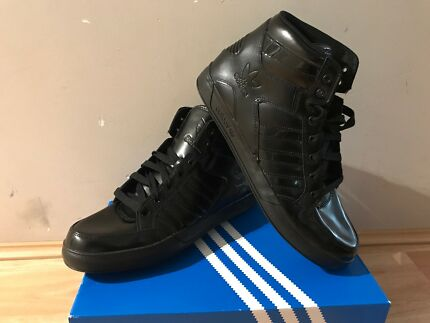 BRAND NEW Adidas Hard Court Hi Size 11.5 US