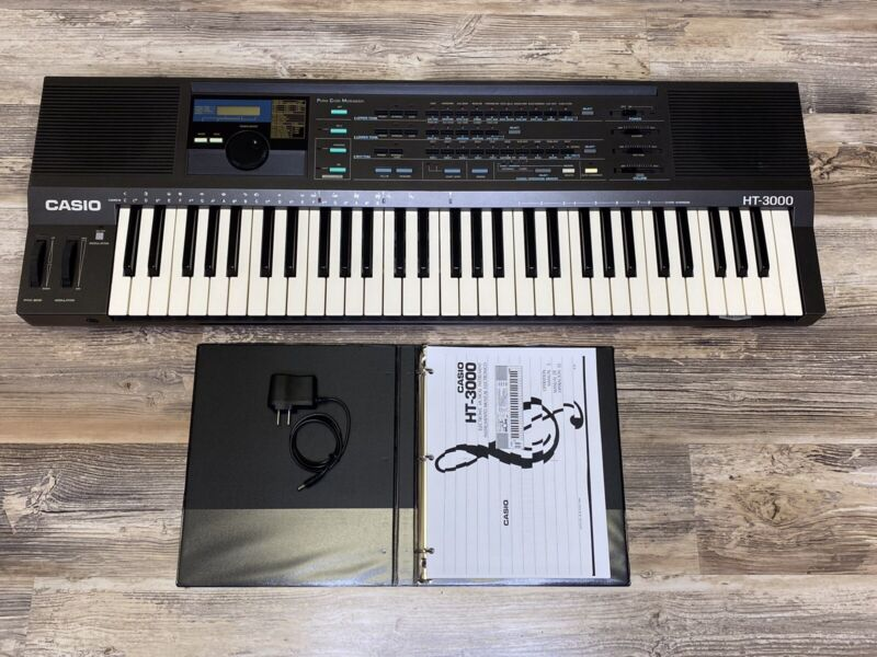 Casio HT-3000 Music Keyboard Programmable Syntheizer Pro Casio From 1980's Clean