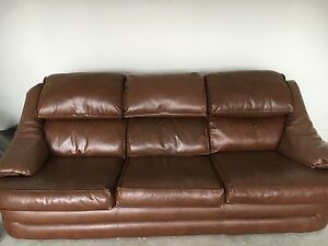 Free Lounge Suite (3 seater, two arm chairs and ottoman) Hadfield Moreland Area Preview