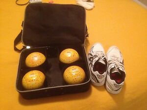 Set of four XXXX Gold lawn bowls with Bag and shoes Maroubra Eastern Suburbs Preview