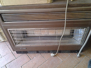 Rinnai natural gas heater Has 6 burners Normanhurst Hornsby Area Preview