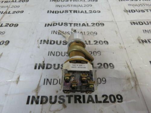 ALLEN BRADLEY KEY SWITCH 800H-HP33KB6 NEW