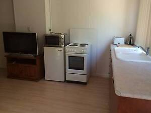 BED-SIT STYLE ROOM TO RENT IN BEACHSIDE SUBURB Kallaroo Joondalup Area Preview