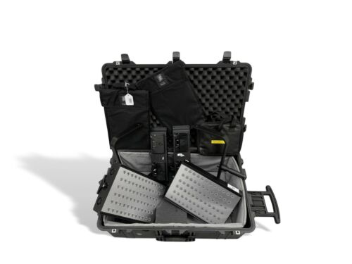 LitePanels Hilio Daylight LED Light Kit (2 heads) in Road Case  Price Reduction!