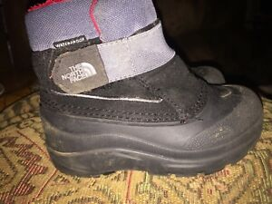 Toddler size 8 North face boots