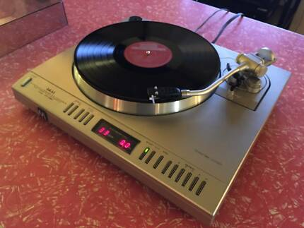 RECORD PLAYERS, VINTAGE STEREO EQUIPMENT & GADGETS.   CBD SHOP