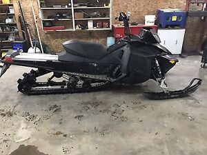 2011 Ski Doo summit e-tec 154""