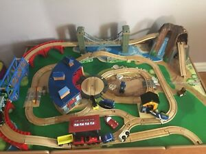 IMAGINARIUM TRAIN TABLE SET - Pickering