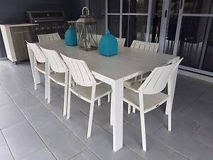 9pc white outdoor dinning setting Pie Creek Gympie Area Preview