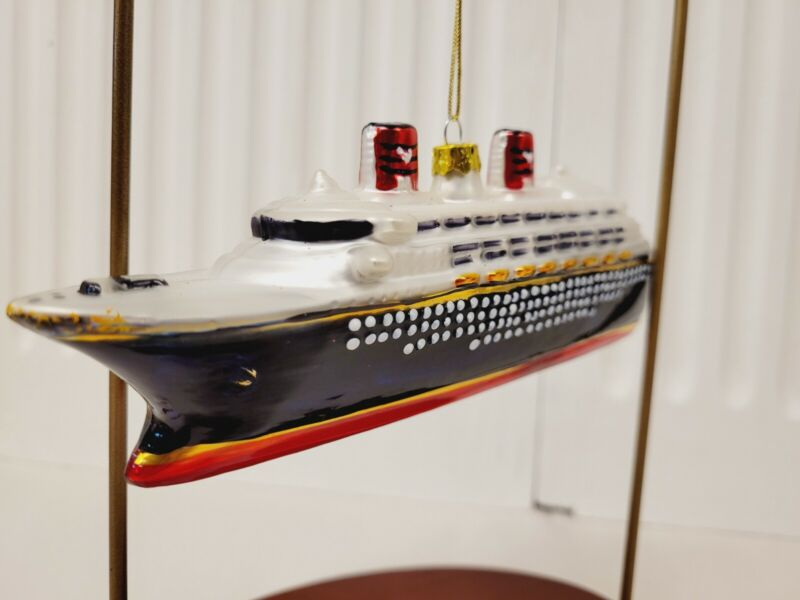 Walt Disney World 6 1/2 inch Blown Glass Cruise Ship Christmas Ornament -RARE