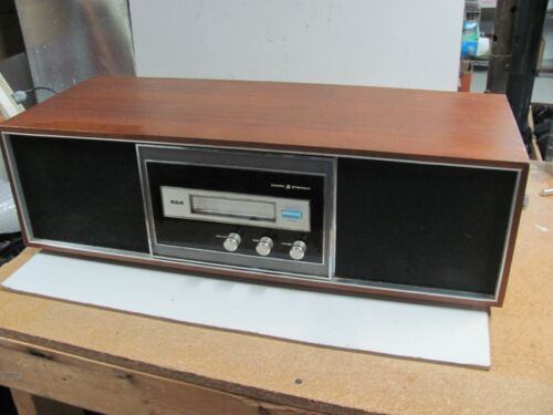 Vintage RCA Mark 8 Eight MODEL YLD-42W YLD42W 8 Track Player Woodgrain