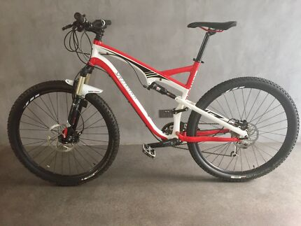 Dual Suspension Specialized Mountain Bike