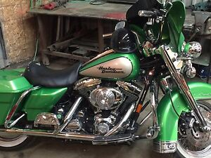 2000 Harley Davidson road king.