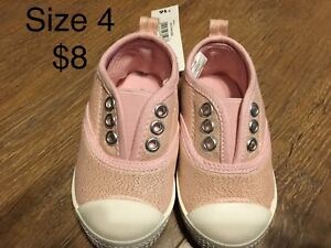Various baby/toddler shoes and accessories
