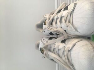 Women's size 9 adidas superstar shell toes