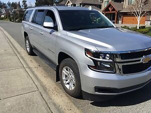 Awesome 2016 Chevrolet Suburban 3 LT, like new, low km