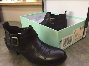 Woman's Leather Ankle Boots