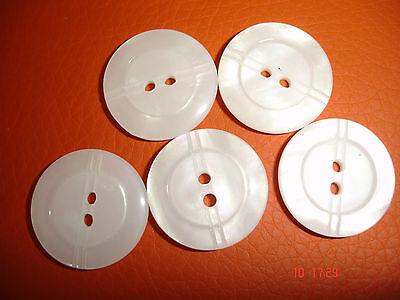 5 Knöpfe  weiß gelasert 20mm 2-Loch W44.3