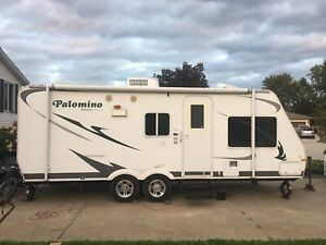 Palomino Stampede Buy Travel Trailers Amp Campers Locally
