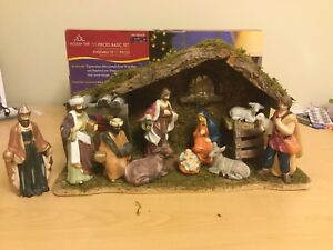 11 PIECE NATIVITY SCENE
