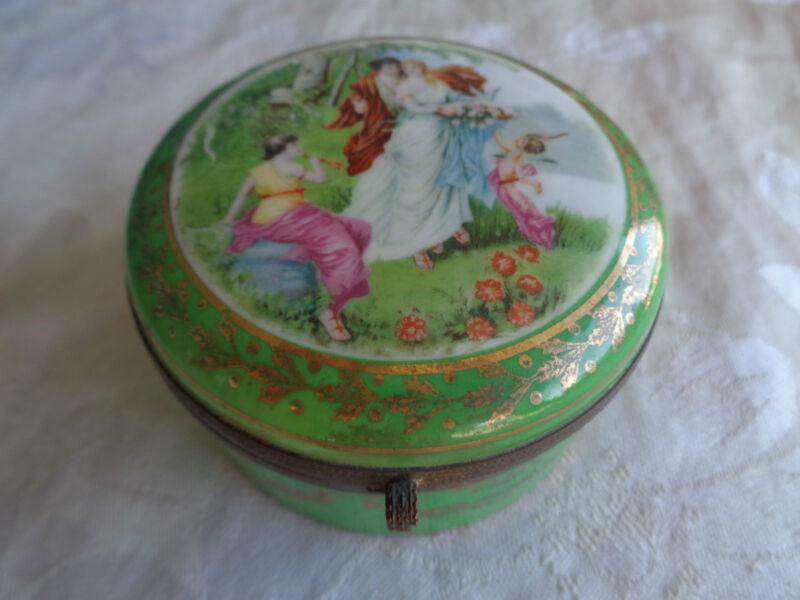 VINTAGE LADY CHERUB ROSES PORCELAIN JAPAN JEWELRY TRINKET CASKET POWDER JAR BOX