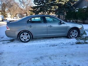 AWD Ford Fusion SEL V6