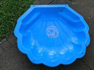 2 Plastic pools for kids - free