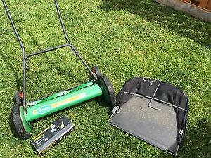 """Scotts 20"""" reel lawnmower with sharpening kit and bag"""