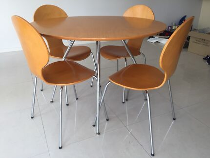 Freedom Dining Table With Chairs And Coffee