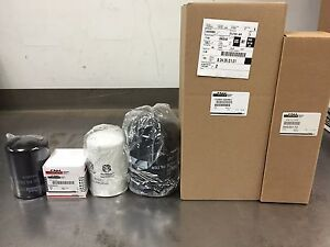 New Holland Skid Steer Filter Set for L778 L779 L783 L785 Diesel Skid Steers