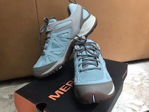 Merrell Women's Hiking Shoes New Size 7.5