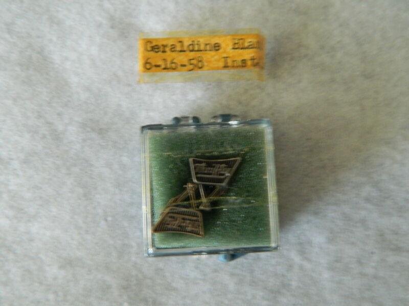060#D-- Logo Pin Set Thrifty Drug Store LBG Sterling