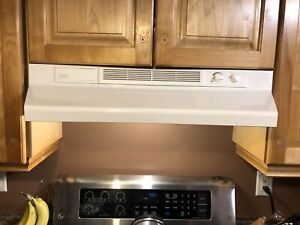 Broan white range hood fan and light
